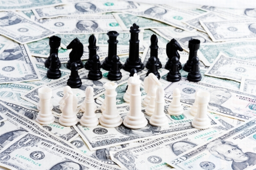 CEO battle: Oracle and Salesforce leaders play chess