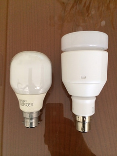 Side by side comparison of CFL and Lifx LED bulbs